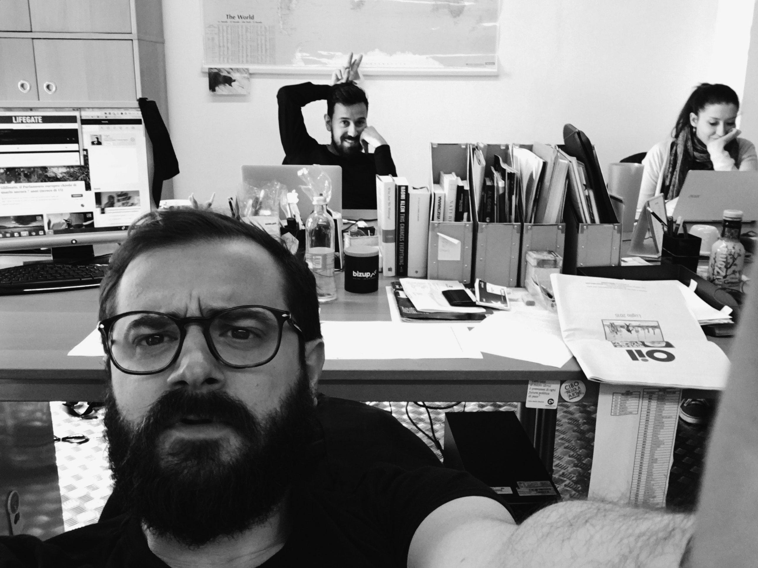 Selfie in redazione a LifeGate